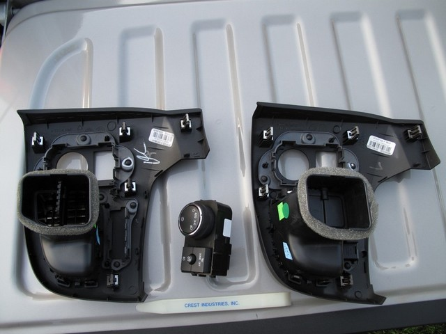 Remove the headlight switch from the old left trim panel (left).